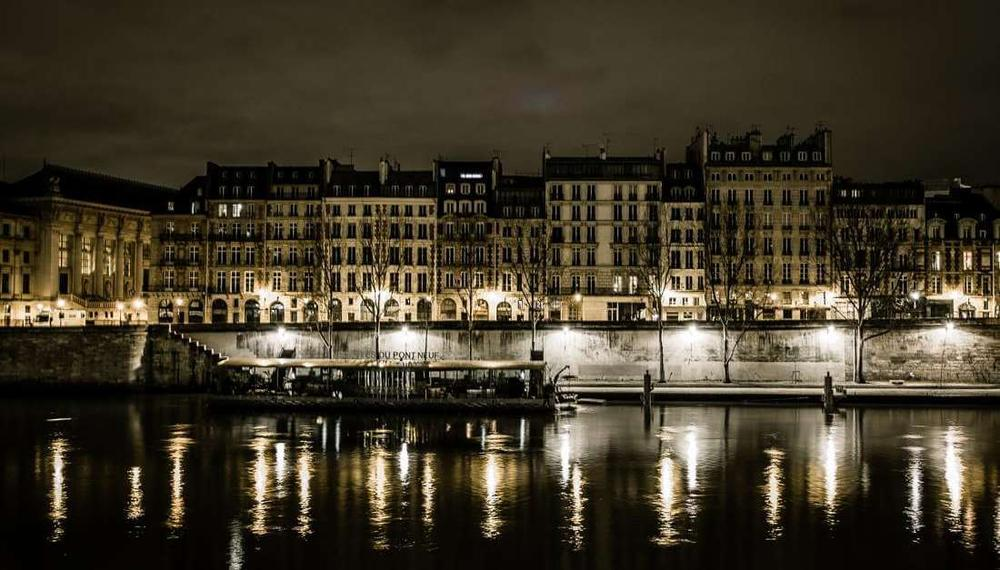 Picturesque Paris:  Architectural Long Exposures Photos by Kamal Bennani
