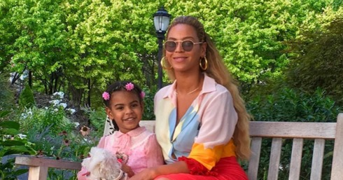 Beyoncé and Blue Ivy walked their VERY cute new dog in NYC