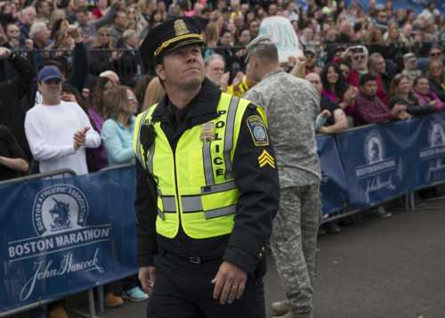 """Mark Wahlberg Stars in """"Patriots Day"""" Based On True Events From Boston Marathon Bombing - Suit Your Lifestyle"""
