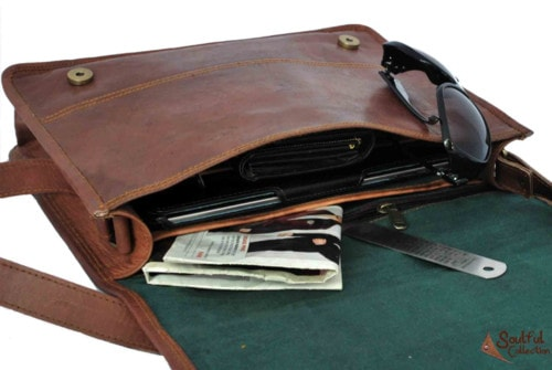 Laptop shoulder bags are not only fashionable but they serve... via Jafer Stain