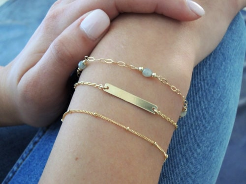 Bracelets Jewellery                                     The recent trend in jewellery is the sho... via Antiquariat Jaipur