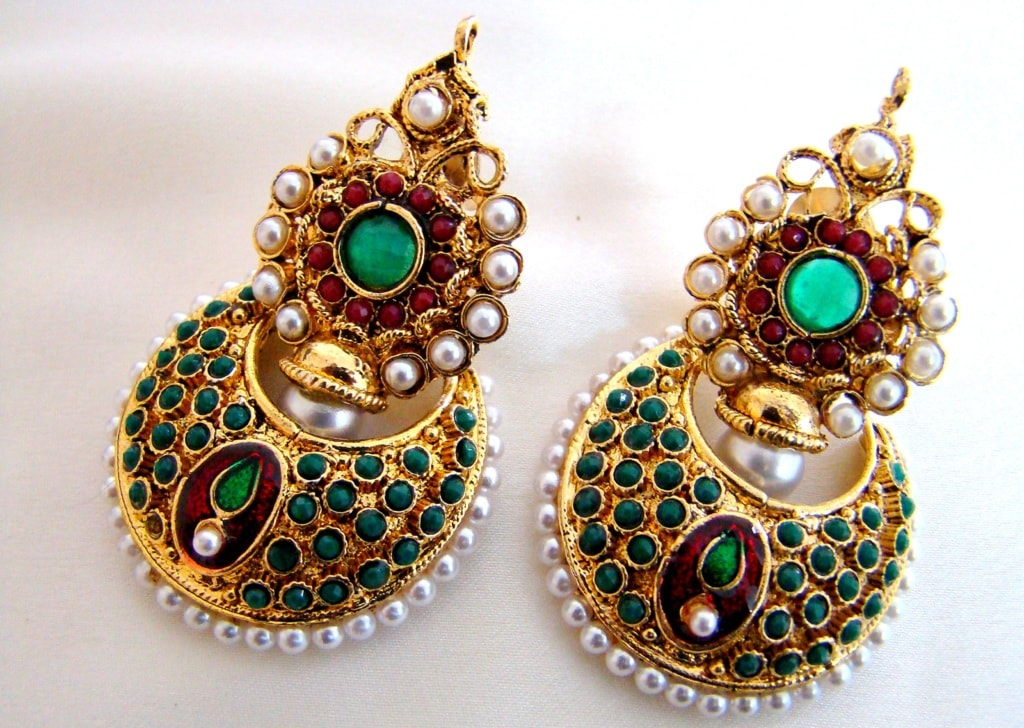 Kundan Earring Jewellery                                                                                  If you are looking for traditional... via Antiquariat Jaipur