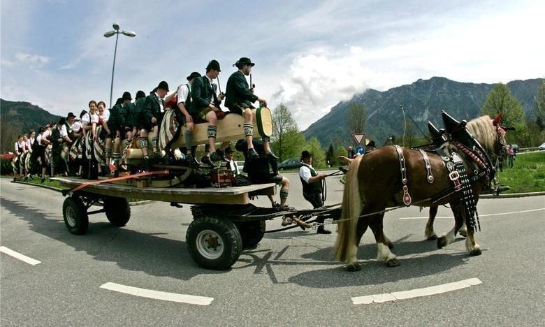 Bavarian May traditions via Uwe Lang