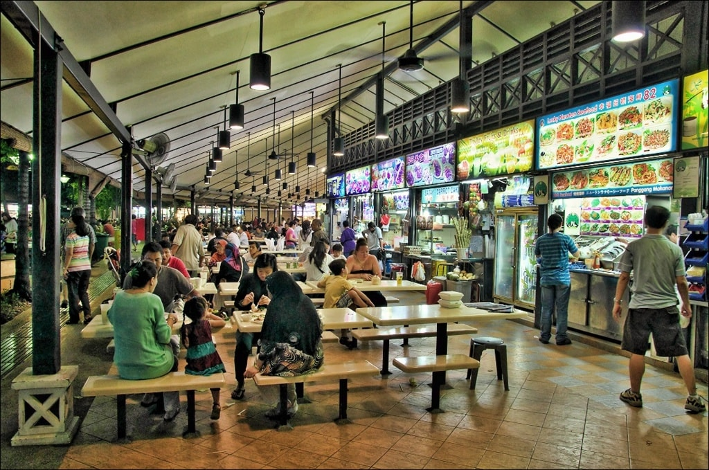 Things to Know When Travelling to Singapore via Enroute Europe