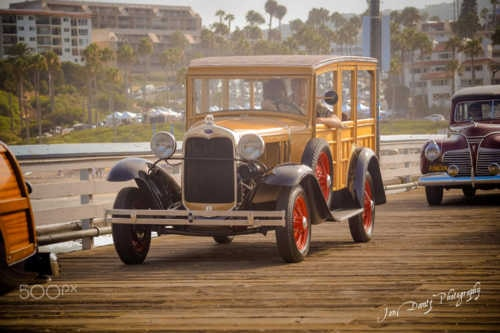 1930 FORD MODEL A WOODY WAGON