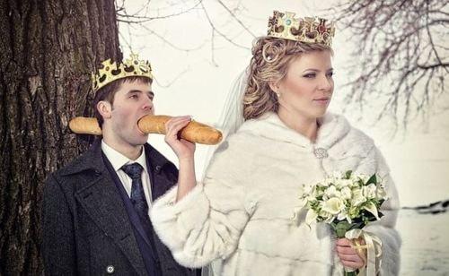 20 Amazing WTF Wedding Photos
