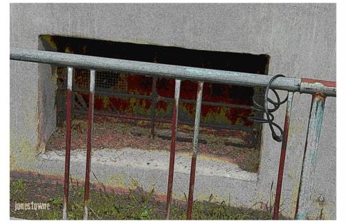 Front Door.  Back Door. via josh jones