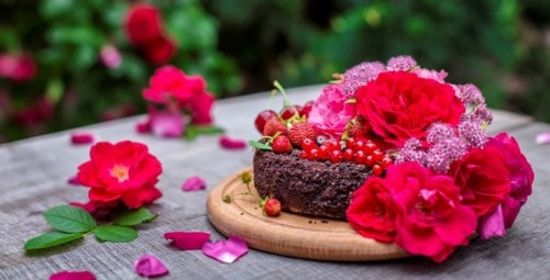 Give Your Heartfelt Wishes with Cakes and Flowers – Clickokart – Medium