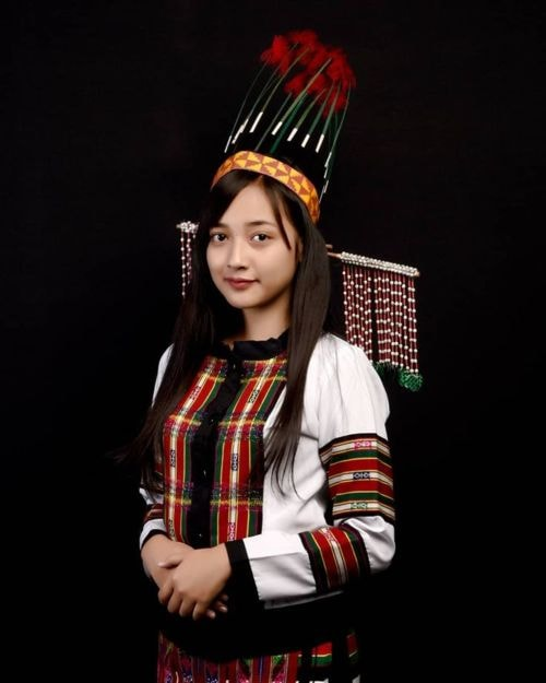 Beautiful Mizo girl in traditional attire #mizoram_fashion #mizoram_dress #mizoram_women #mizoram_girls #mizo #mizo_tradition… | Mizo Traditional Dress in 2019 | Pinterest | Traditional dresses, Dresses and Traditional