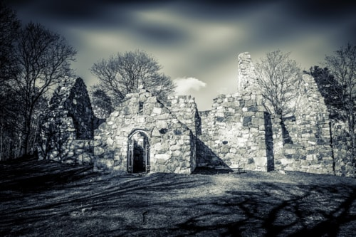 Old church ruin in Mariefred, Sweden, from around the year 1... via Lars-Ove Törnebohm
