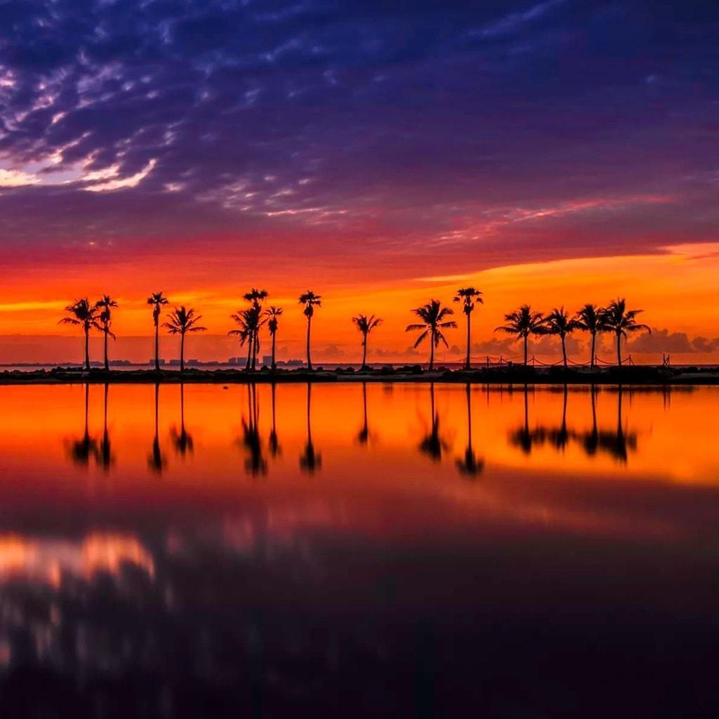 A magical sunrise via Rolando Felizola