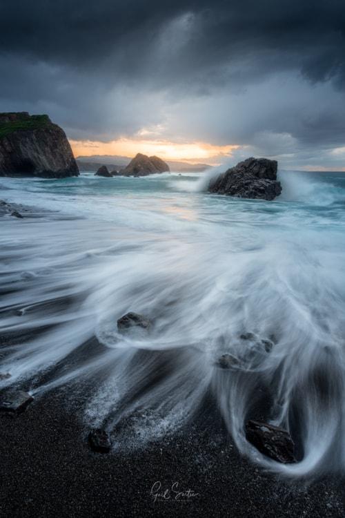Playa Bozo, Asturias, Spain via Gaël SARTRE