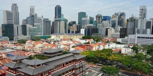 The modernistic and ultra-lavish urban landscape of Singapor... via James Whitef