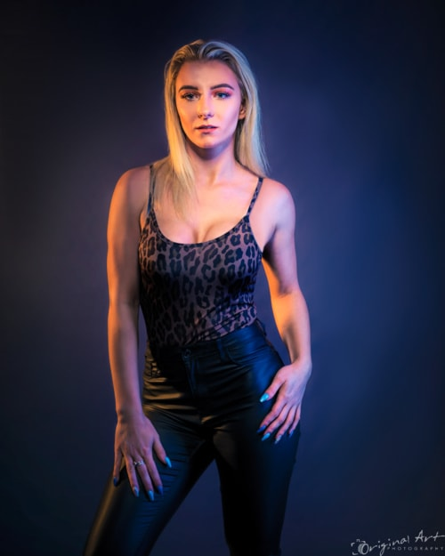 More fun with the gelled lighting from the shoot with Laura.... via Joe Lenton