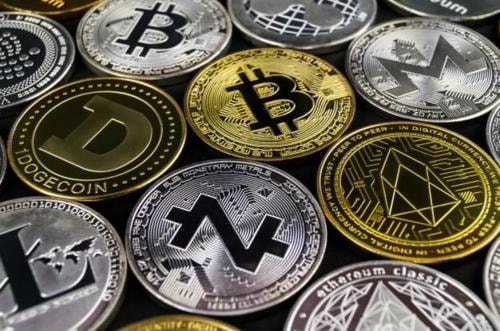 Bang the hunger of learning the basics of cryptocurrency terminologies, the creation process, and its popular altcoins!
