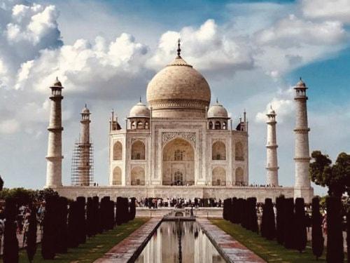 Behold the Magic of Agra in Same Day Tour - TreasureTripIn
