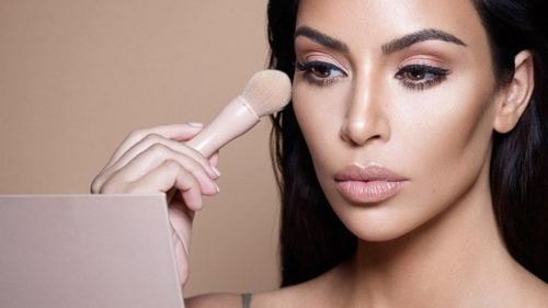The Best Way To Choose The Right Highlighter For Your Skin Tone - Curious Keeda