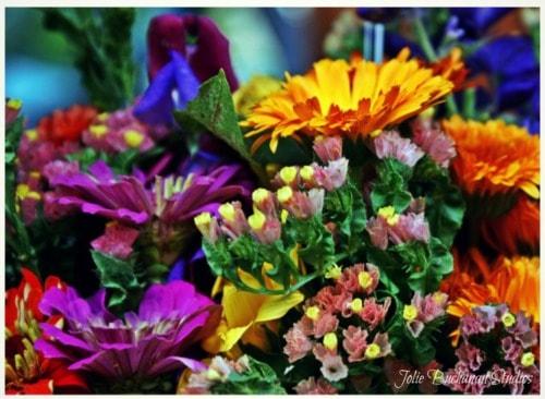 Fall Bouquet Gathering via Jolie Buchanan