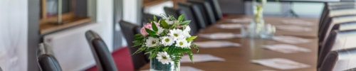 Ways to select flowers as corporate gifts and send them onli... via John Williams