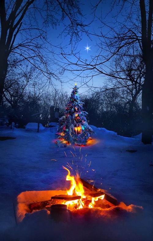 Merry Christmas to all. via Phil Koch