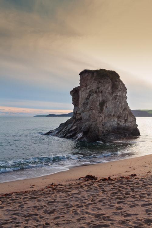 Beautiful sunset at the Carlyon Bay in Cornwall, England. Th... via Jukka Heinovirta