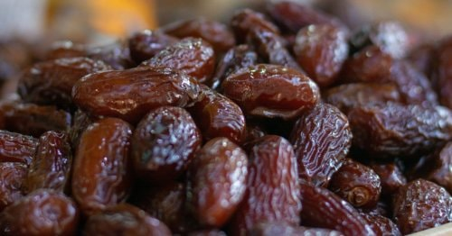 Share4all » Food » 12 Benefits of Dates for Pregnant and Breastfeeding Mothers