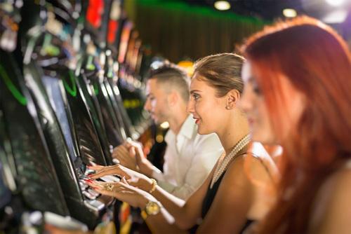 Casino hấp dẫn đến mức nào? Việt Nam có nên mở casino?