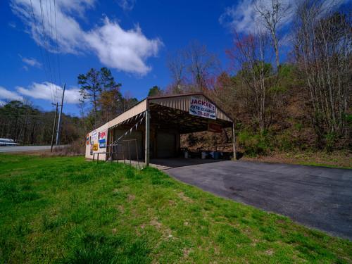 Abandoned Auto Detail Shop in Gilmer County, Georgia near El... via Liam Douglas - Professional Photographer