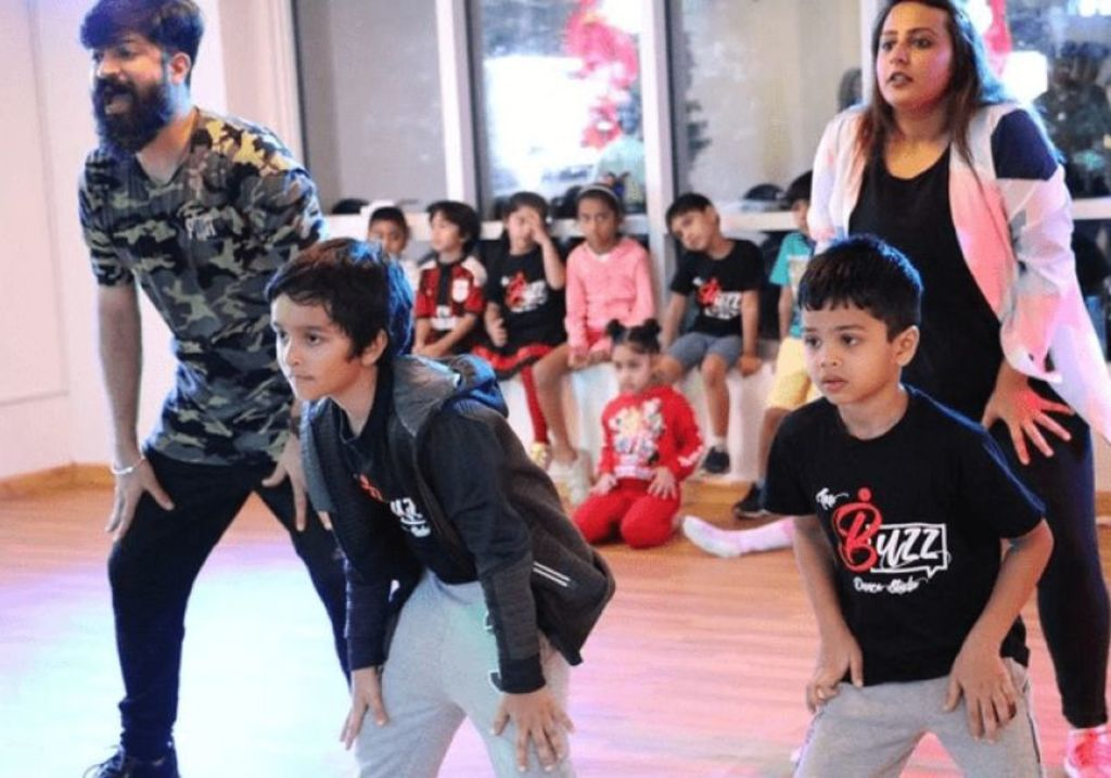 Find Top Dance Center in Dubai and Register yourself Online via pursueit