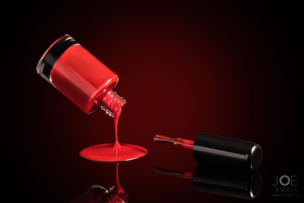 Nail varnish levitating pouring - fun to play with special e... via Joe Lenton
