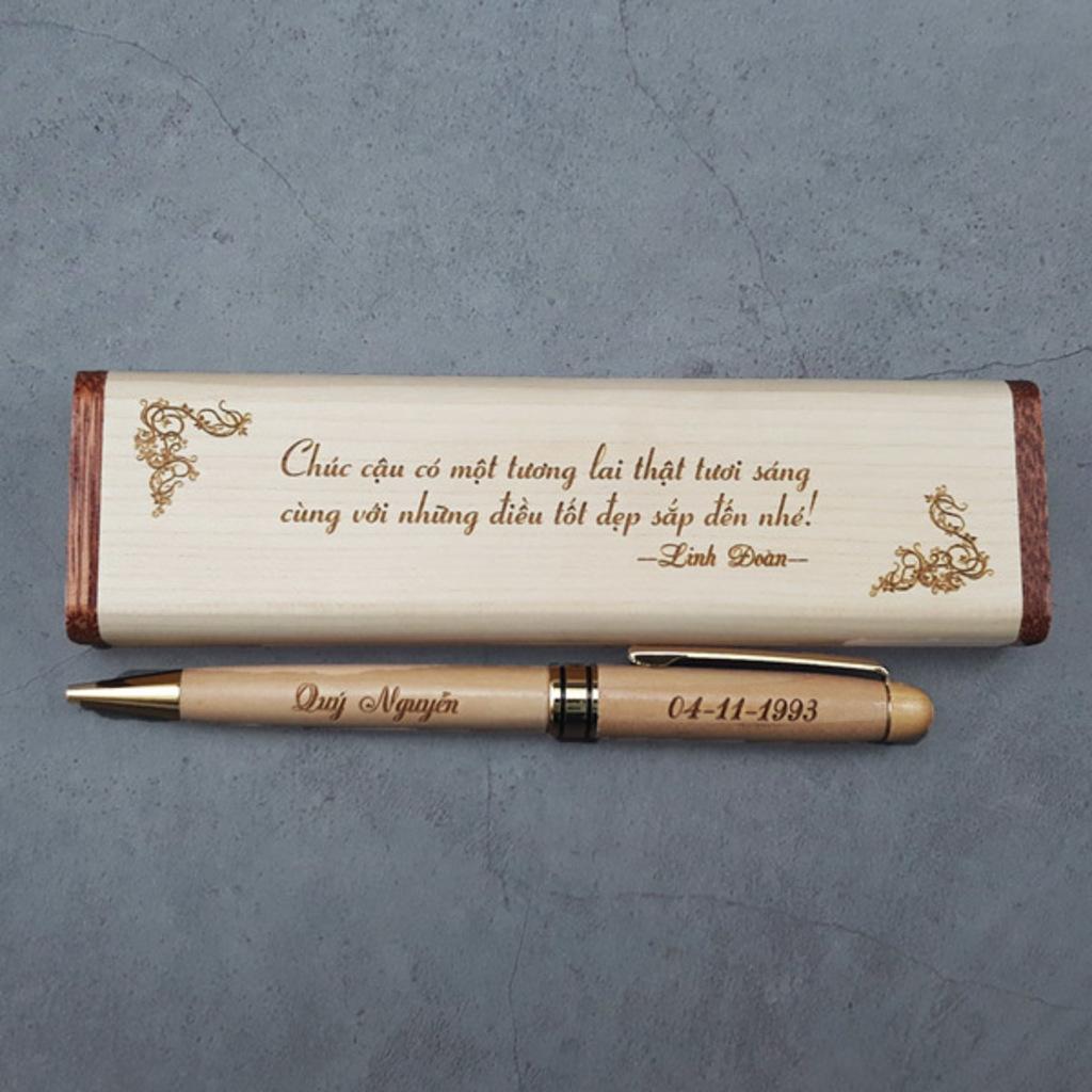 10 mẫu bút khắc tên, combo viết gỗ, free khắc chữ theo yêu c... via quatanglegonna