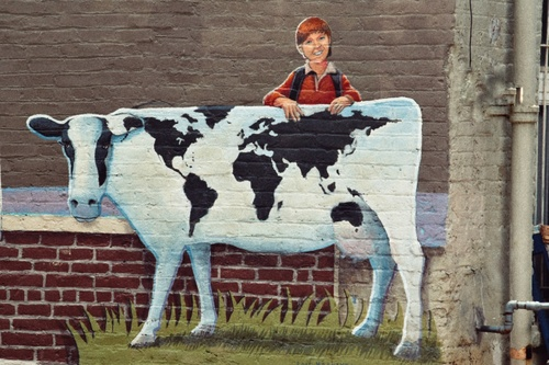 Holy cow, what a mural via X700.gallery