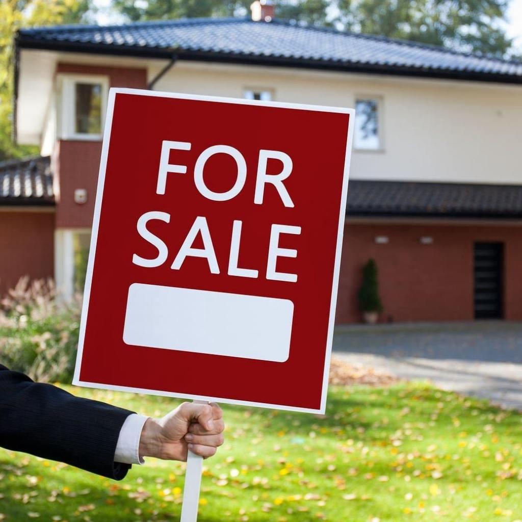 Dennis Webb Real Estate via 7Webb Real Estate | Dennis Webb