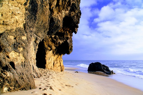 The rock - Paredes da Vitória beach, Portugal via Gil Reis