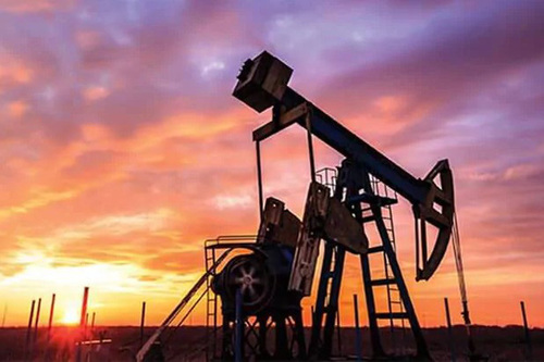 Giá xăng dầu hôm nay 14/8: Dầu giảm trở lại do nhu cầu tiêu thụ giảm
