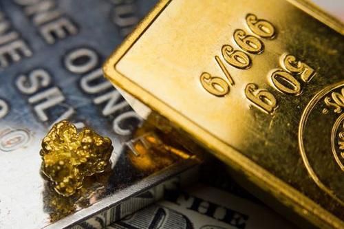 Giá vàng hôm nay 17/8: SJC giảm hơn 1 triệu đồng/lượng  trong phiên đầu tuần