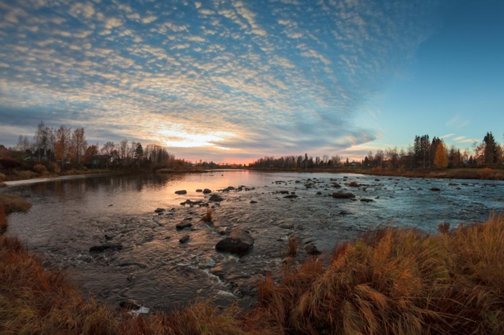 A beautiful autumn evening by the rirver at the Northern Fin... via Jukka Heinovirta