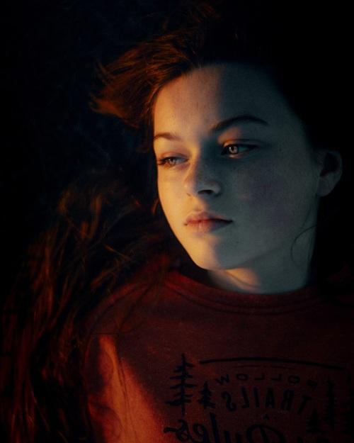 Scarlet via LimebluPhotography