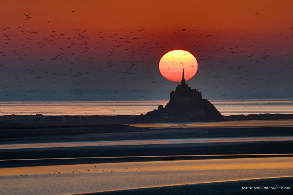 Sunset on arrow via Jean Michel