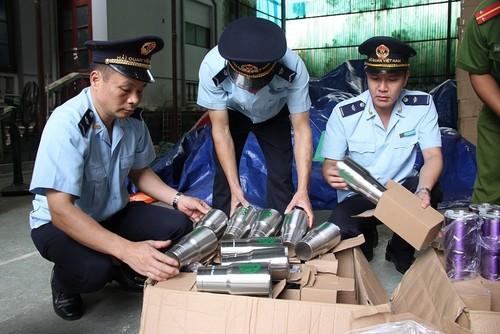Những chứng từ hải quan kèm theo hàng hoá nhập khẩu khi vận chuyển