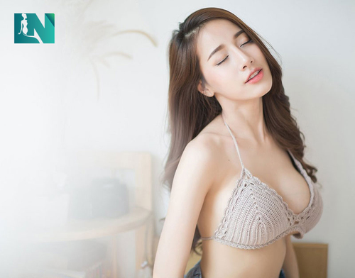 Nâng ngực có để lại sẹo không ? bao lâu thì đẹp ?