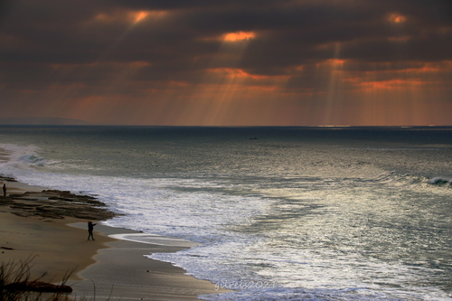 Rays of light via Gil Reis