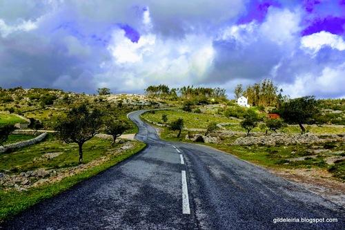 Estrada na serra - Parque natural serras de Aire e Candeeiro... via Gil Reis