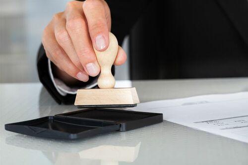 Bạn đang có nhu cầu khắc dấu cho cá nhân hay khắc dấu cho do... via Làm Bằng Nhanh