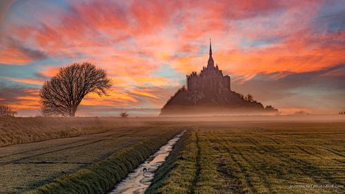 Sunrise in fire via Jean Michel