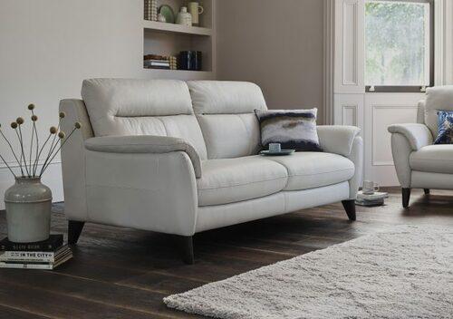 Những mẹo hay để làm sạch ghế sofa da