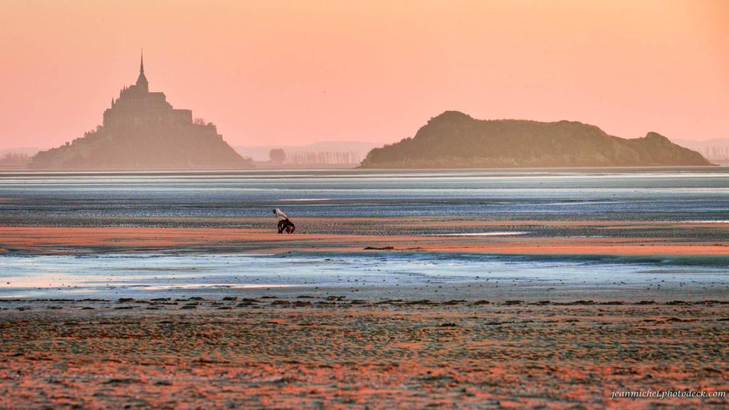 On the beach via Jean Michel
