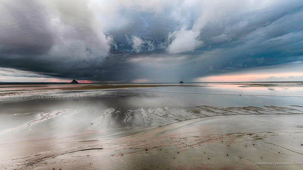 Sea and sky via Jean Michel