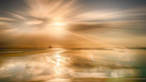 Gold landscape via Jean Michel