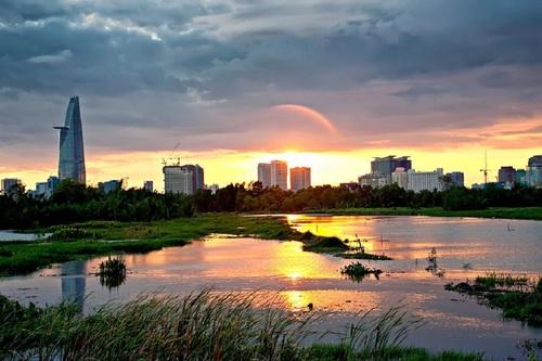 Saigon Review's COVER_UPDATE via Saigon Review